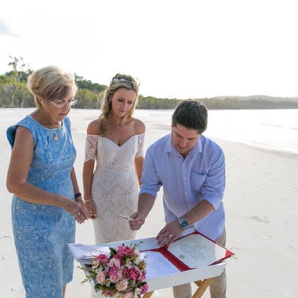 Colleen Farry Whitsunday Weddings